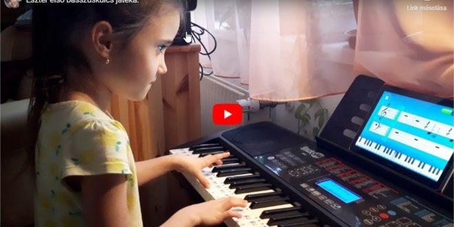 Eszter első balkezes játéka-zongora