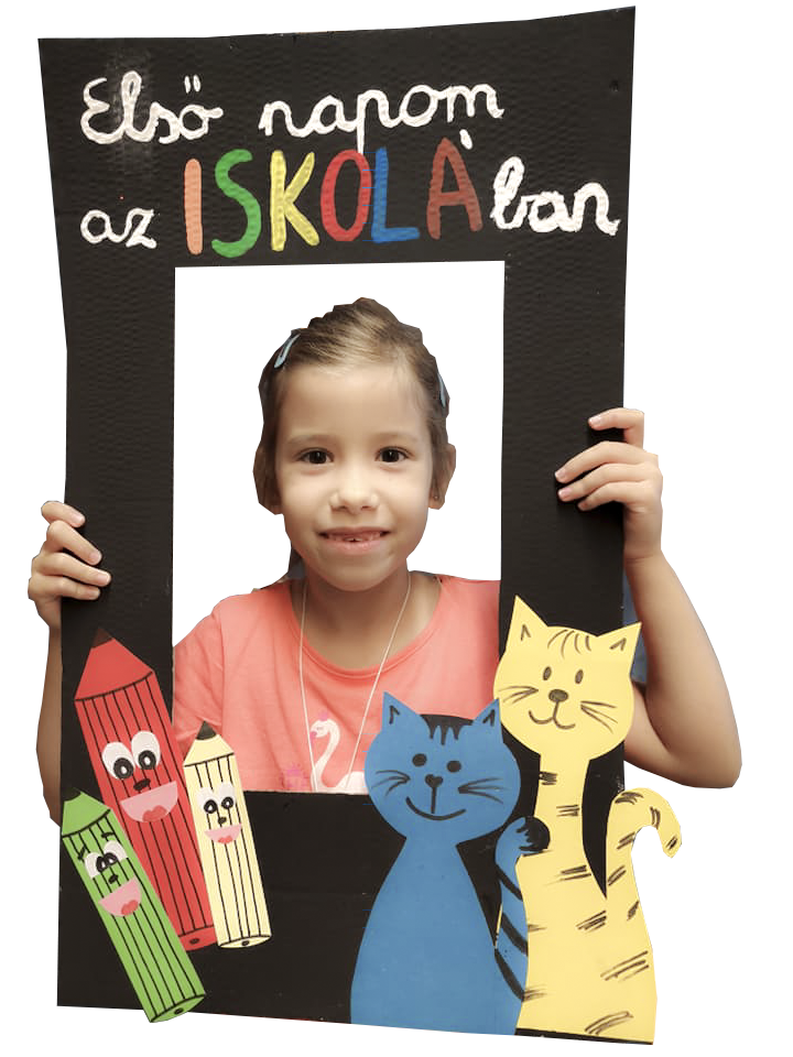 Brassó Utcai Általános Iskola-Első nap a suliban Fannival